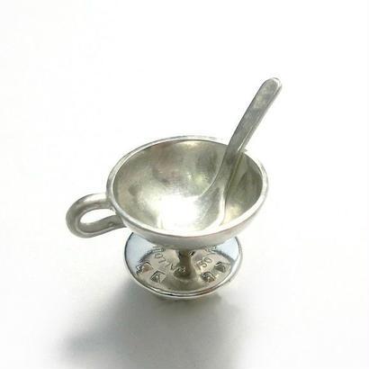 スープカップとスプーンのシルバーピンブローチ