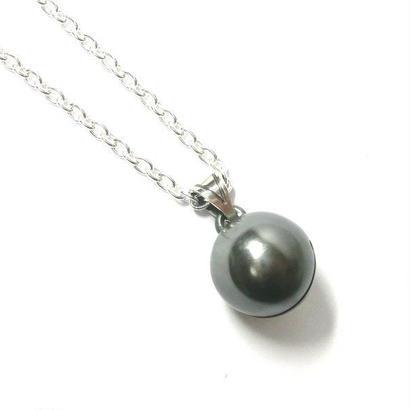 黒真珠のような銀の鈴