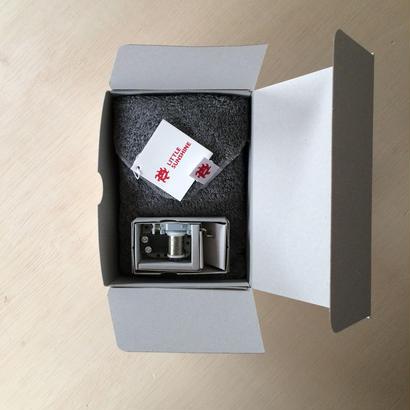 8月の送料無料 ギフトセット リトルサンシャイン チーフタオル(23×23cm) 1枚 / クラウドグレー+リトルラック オルゴール