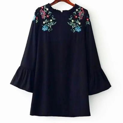 flower刺繍ワンピース