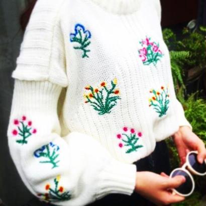 flower刺繍ニット