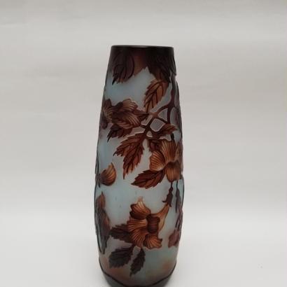 ガレスタイルガラス花瓶 花柄円筒細型花瓶白