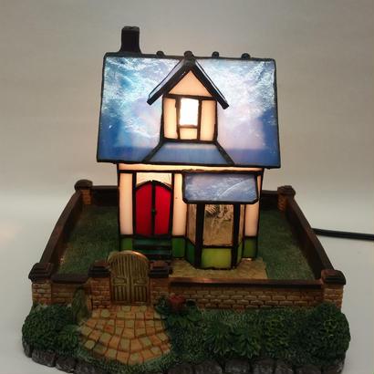 ステンドランプ 青い屋根の家