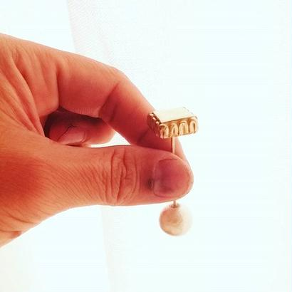 square stole pin