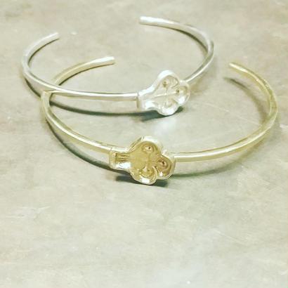 motif  silver  bangle