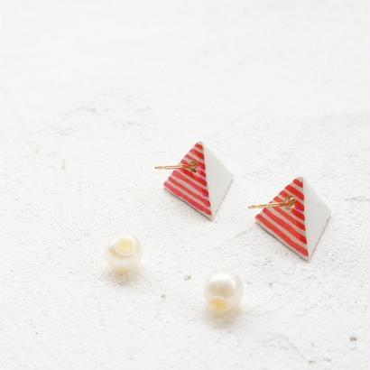 🎊 50%off 🎊【TORIKONIA】18金 三角錐のピアス(S)