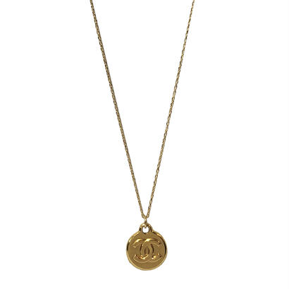 CHANEL remake logo plate necklace
