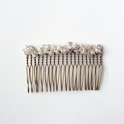 Fresh water pearl Comb