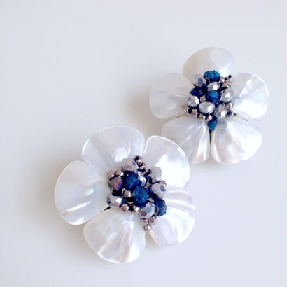 shell flower earrings〈BL〉EA160203