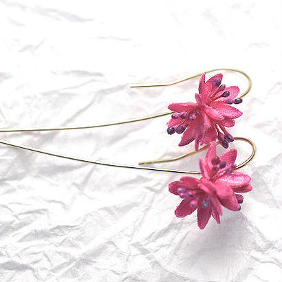 【布花】春の森 ショウジョウバカマのピアス/イヤリング(ピンク) 14kgf