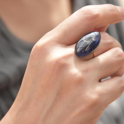 タンポポの綿毛と藍のオーバルリング 14kgf