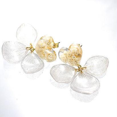 Love Flowers【Pearl White】ピアス/イヤリング