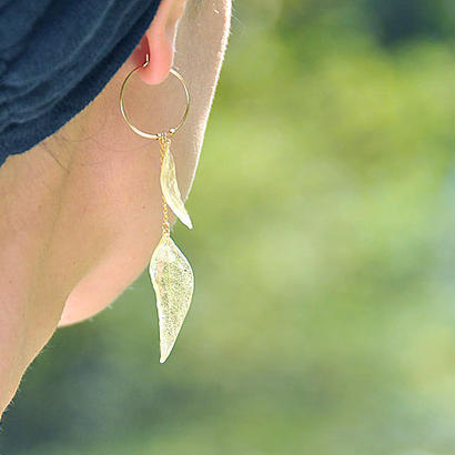 山野草の葉っぱ【W】片耳ピアス 14kgf(イヤリング)