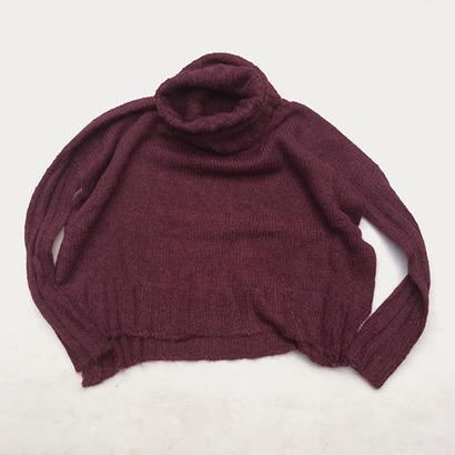 SURI ALPACA TURTLENECK SWEATER / WINE