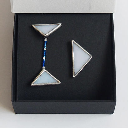 beads triangles piace / white / B