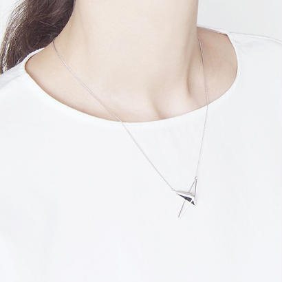 right angle necklace/black