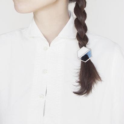 hair accessory hexagon/white×clear light blue