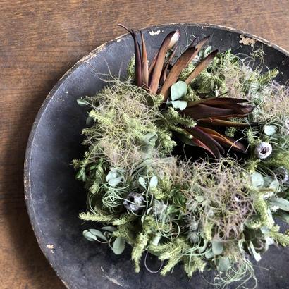 野の花屋 スモークツリーとリューカデンドロのリース