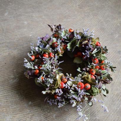 野の花屋 鈴バラと秋色アジサイのリース
