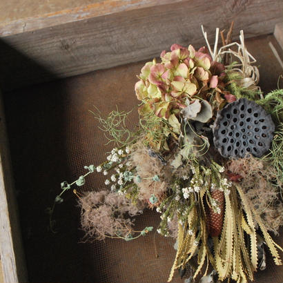 野の花屋 蓮の葉スモーキースワッグ