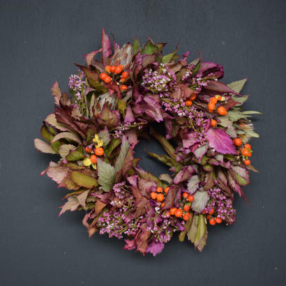 野の花屋  キイチゴとツルウメモドキの秋色リース