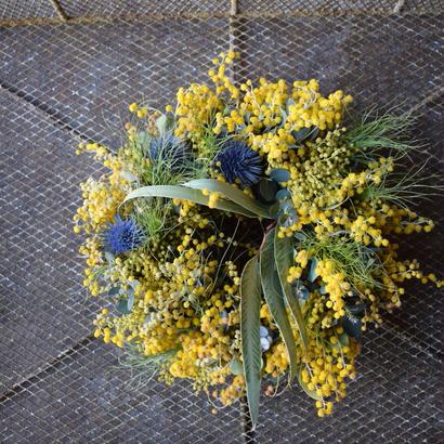 野の花屋 ミモザとエリンジュームのリース