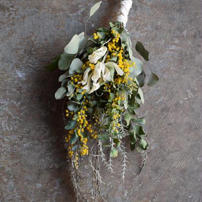 野の花屋  ミモザスワッグ