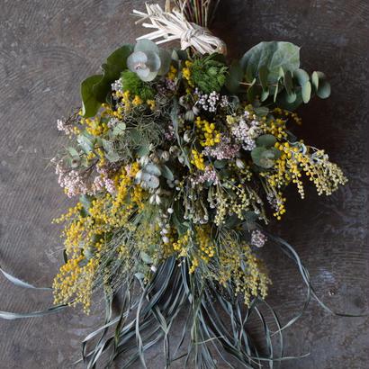 野の花屋  ミモザ春のドライスワッグ