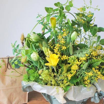 野の花屋季節のフラワーアレンジメントとシバケンクッキー