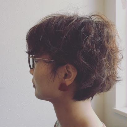 吉田勝信/結工房 絹のピアス・小三角(朱)