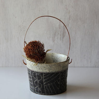 清水しおり バケツ鉢