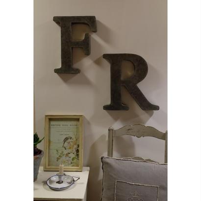 シンプルなブリキアルファベットオブジェ R