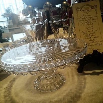 ガラス製ケーキスタンド