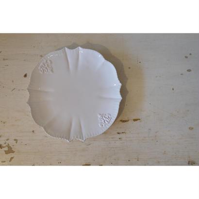 フレンチアンティーク風の白いプレートSサイズ