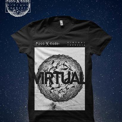 【PassCode・オンライン限定】V//TOUR Tシャツ