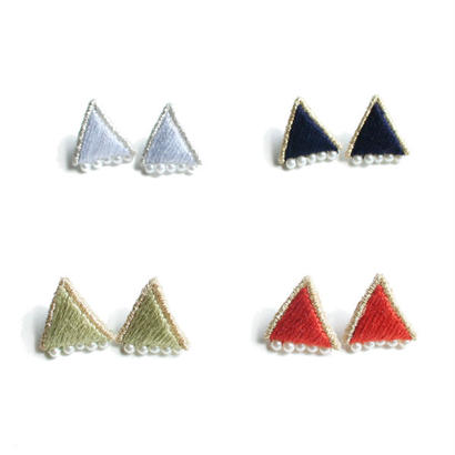 PRISM TRIANGLE PIERCE/EARRNG (15aw colour)