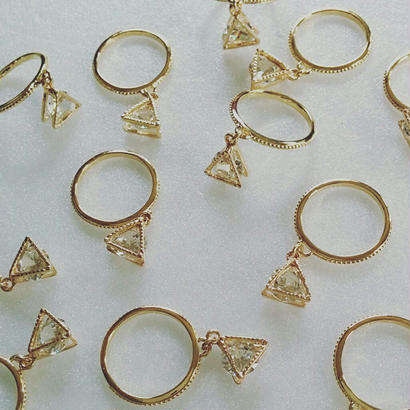 triangle in cz ring