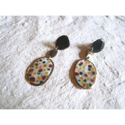 【3stones earrings green, gold, beige 】[PEKI!RARIGON]