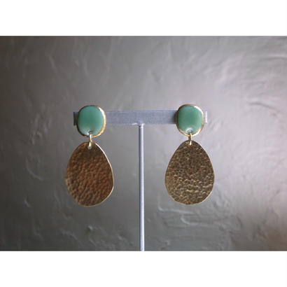 """FALL""【brass earrings green】[PEKI!RARIGON]"