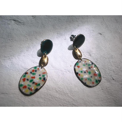 【3stones earrings green 】[PEKI!RARIGON]