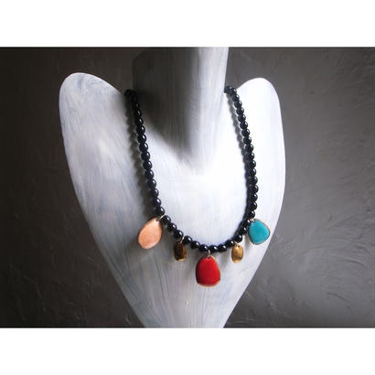 【5stones necklace black】[PEKI!RARIGON]