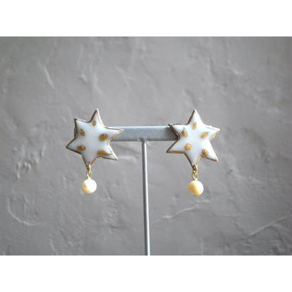 【milky star earrings mother of pearl】[PEKI!RARIGON]