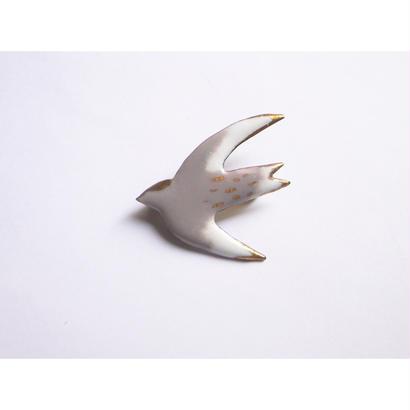 ツバメのブローチ(グレーホワイト)