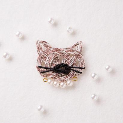 mizuhikigirl  猫結びのブローチ   buchi