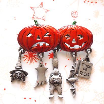 【お取り寄せ品】JJ ヴィンテージブローチ ハロウィンダブルパンプキンと猫たちのチャーム 2