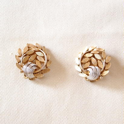 Crown TRIFARI /クラウントリファリ 葉っぱのイヤリング