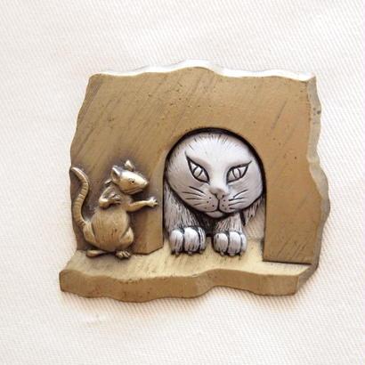 JJ ヴィンテージブローチ 覗く猫とネズミ