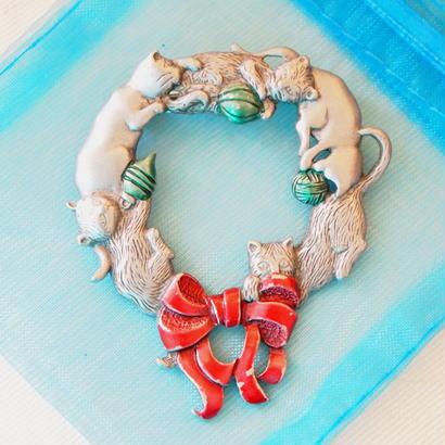 JJ ヴィンテージブローチ 猫たちのクリスマスリース