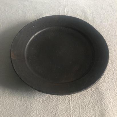 青鳥窯 マンガン8寸リム皿