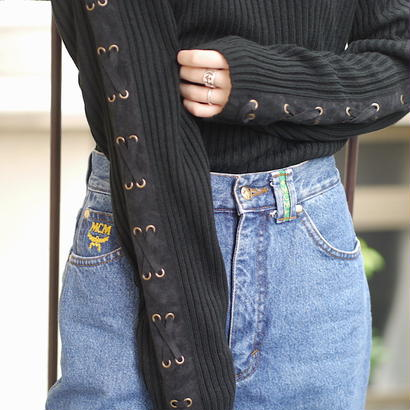 Lace-up turtleneck knit
